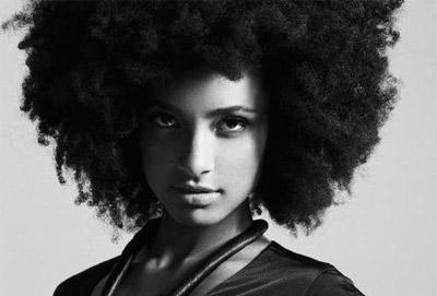 Esperanza Spalding - Crowned & Kissed