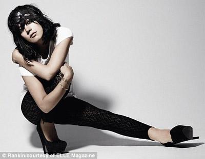 Lily Allen - Elle