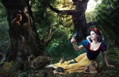 Rachel Weisz como Branca de Neve